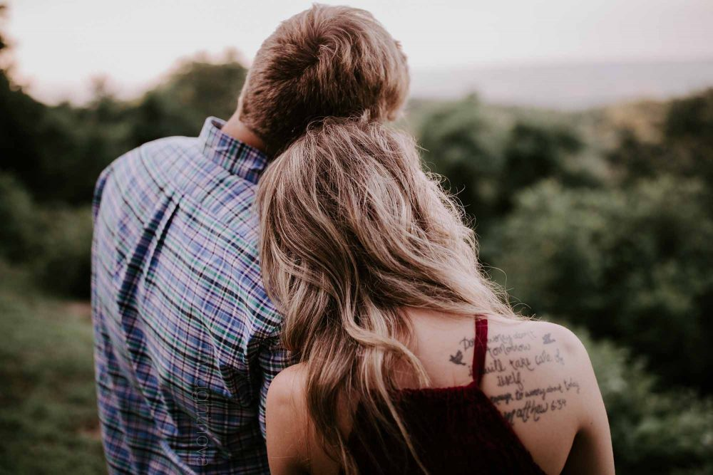 5 Things All Men Do When They're In Love