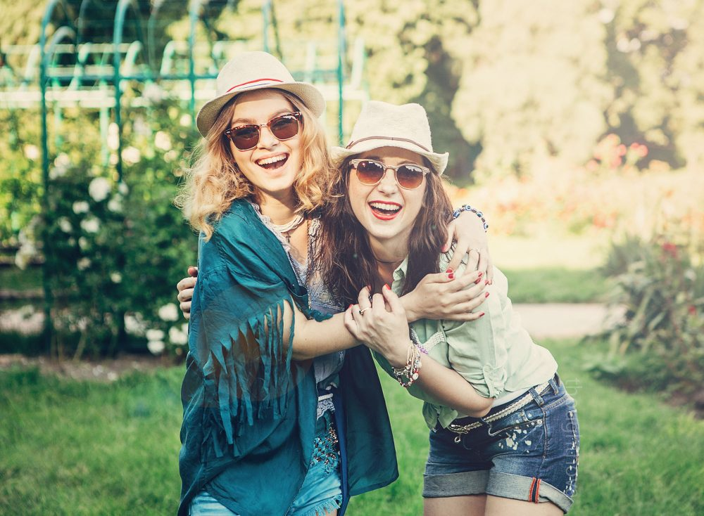Never Let Your Bestie Go If They Do These 8 Things