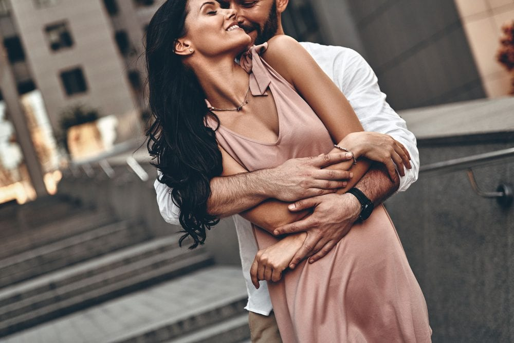 8 Reasons Why Confident And Strong Women Approach Relationships Differently