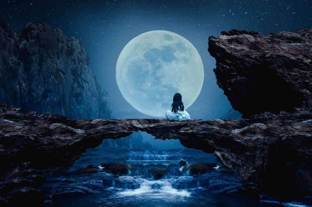 Full Moon 19th April 2019 - Rare Second Libra Full Moon In A Row Will Help You Cut Unnecessary Ties