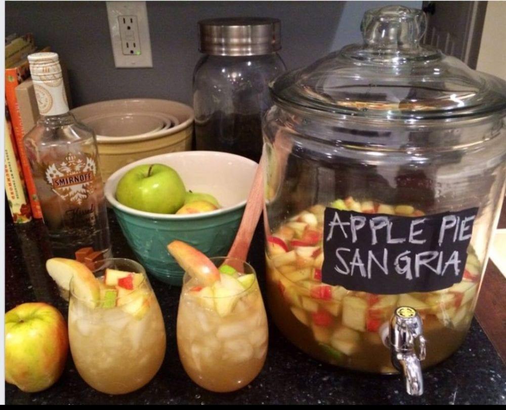 Holiday Apple Pie Sangria