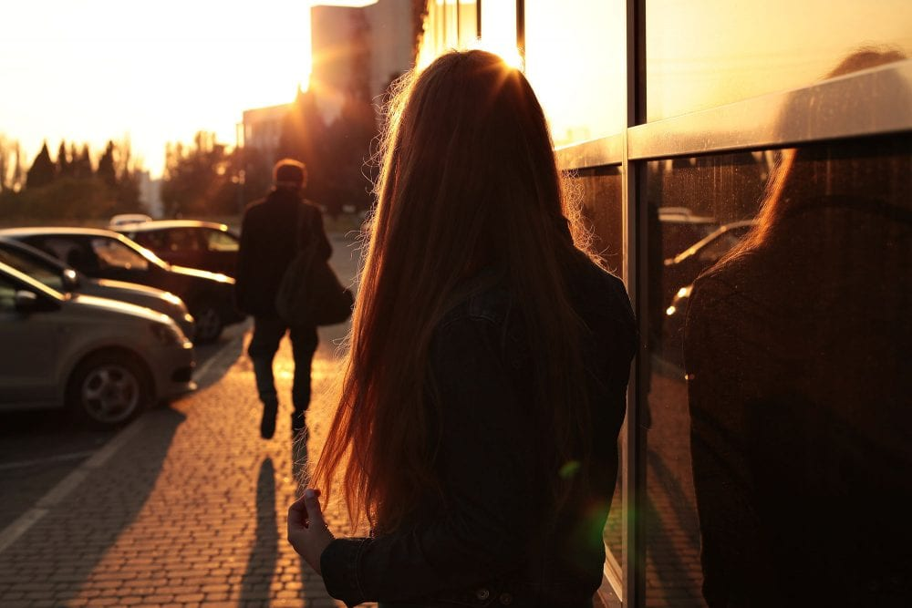 Red Flags To Tell You Early On That You're In A Dead-end Relationship (explained By Experts)