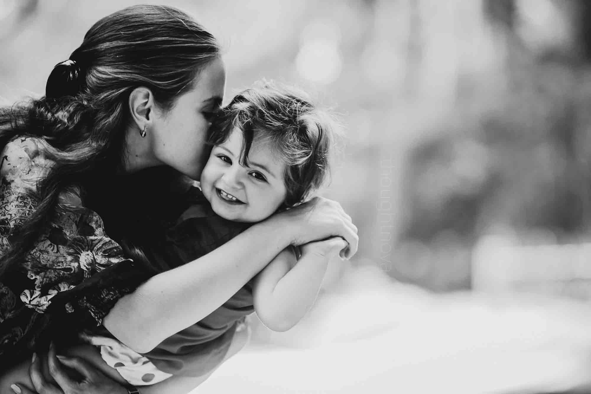 To All The Single Moms Out There: You Are True Heroes