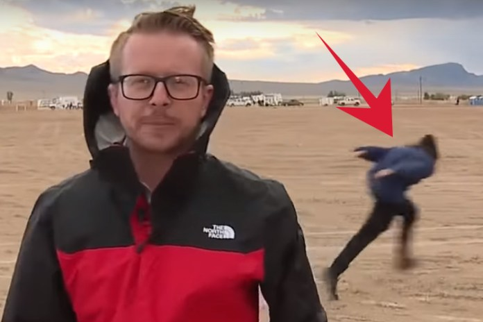 """First Naruto Runner Spotted """"naruto Running"""" During Live News Broadcast As Alien Hunters Arrive For Storm Area 51 Raid"""