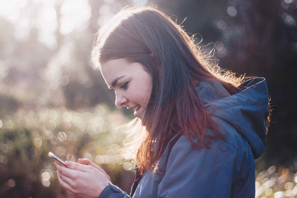 10 Texts That Mean He's Into You