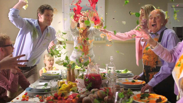 How To Survive Thanksgiving Day With Your Dysfunctional Family