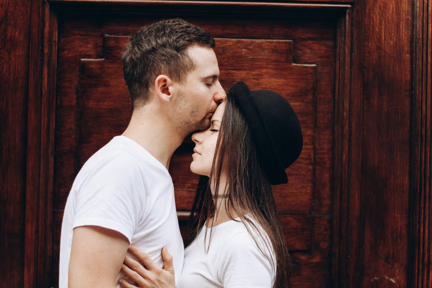 how men fall in love: the truth behind why he loves you
