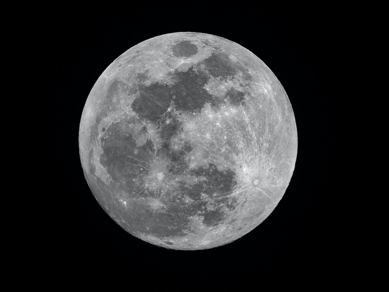 are you a 'look at the moon' person?