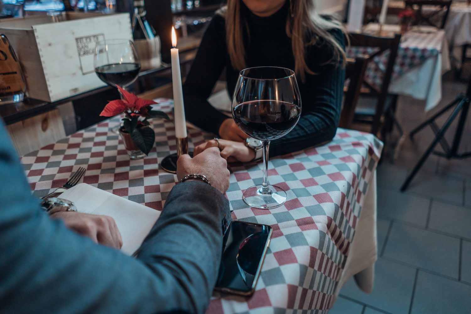 casual dating 101: the definition, rules, and motivations