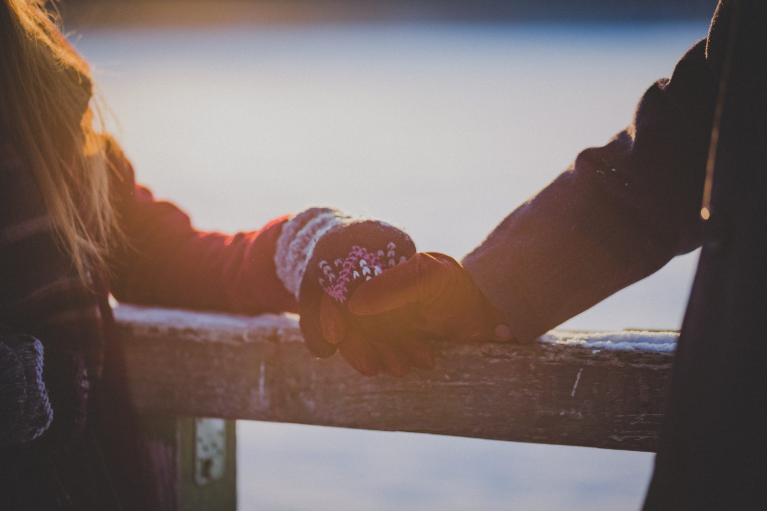 Is Your Girlfriend Clingy? Here's 10 Things You Can Do About It