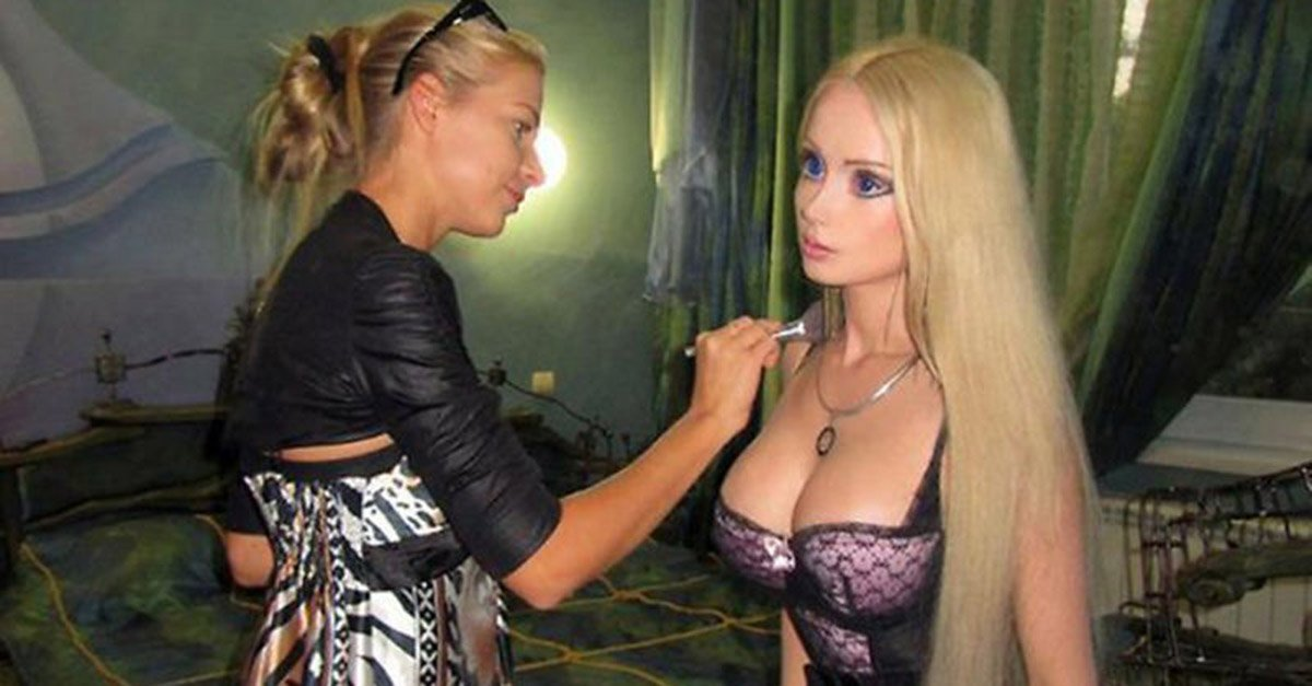 Human Barbie Posts Pictures Without Makeup and The World is in shock