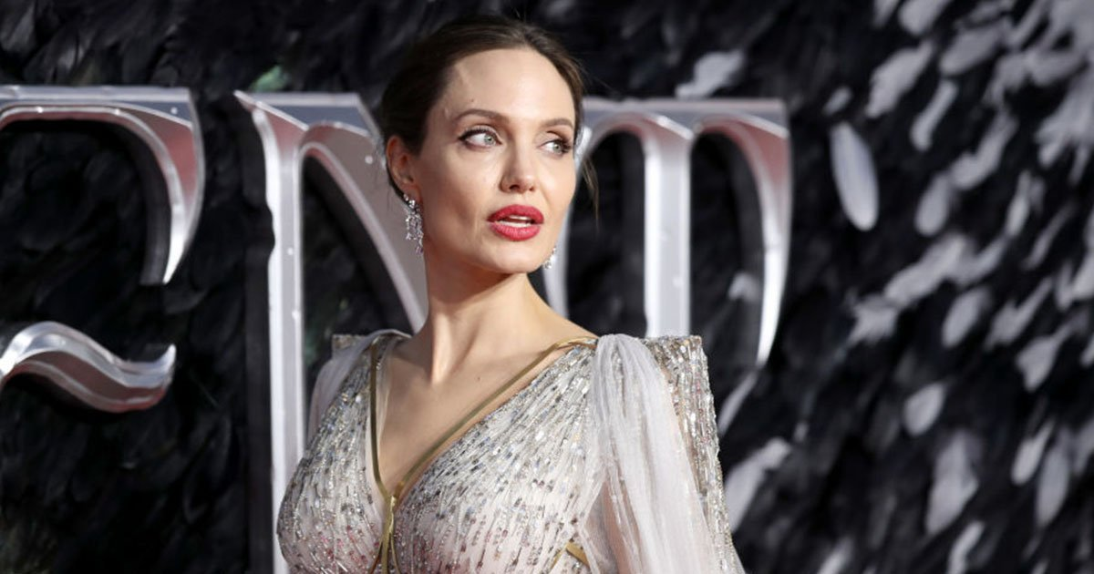Angelina Jolie In The Flesh: The Actress Shows Off Her Scars