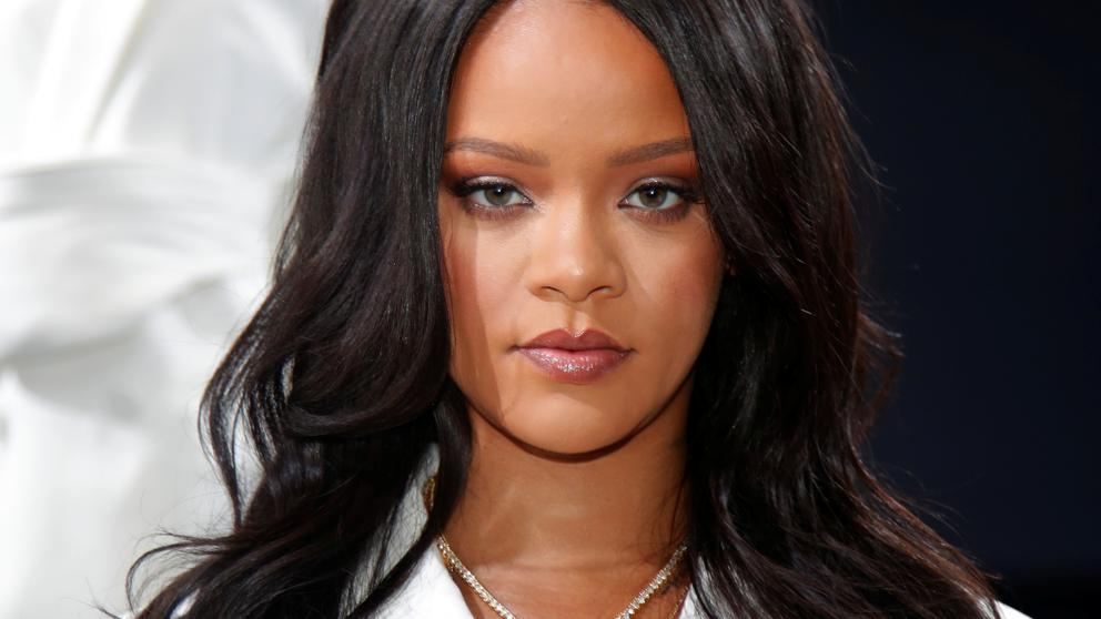 Fans Want Rihanna To Replace The Queen As Barbados Head Of State