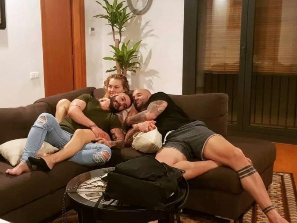 best friends form throuple with woman after both 'fell in love' with her