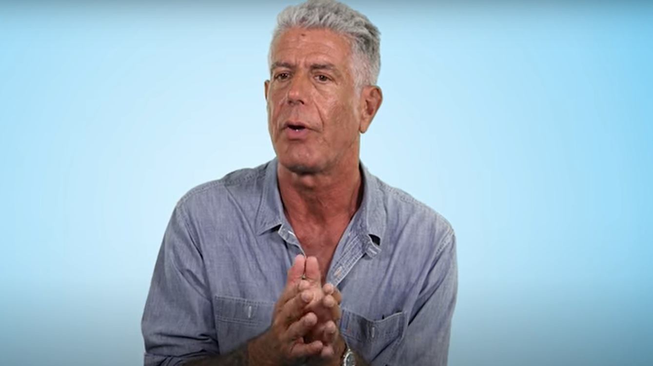 anthony bourdain reveals the secrets to a perfect burger