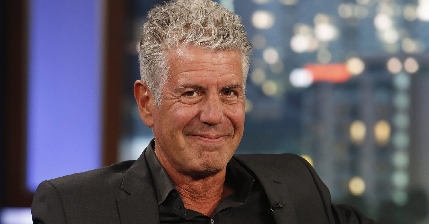 what anthony bourdain always orders on a plane