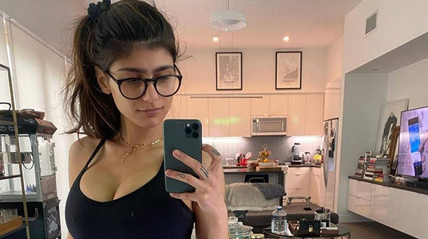 mia khalifa advises young girls not to make adult videos for quick cash