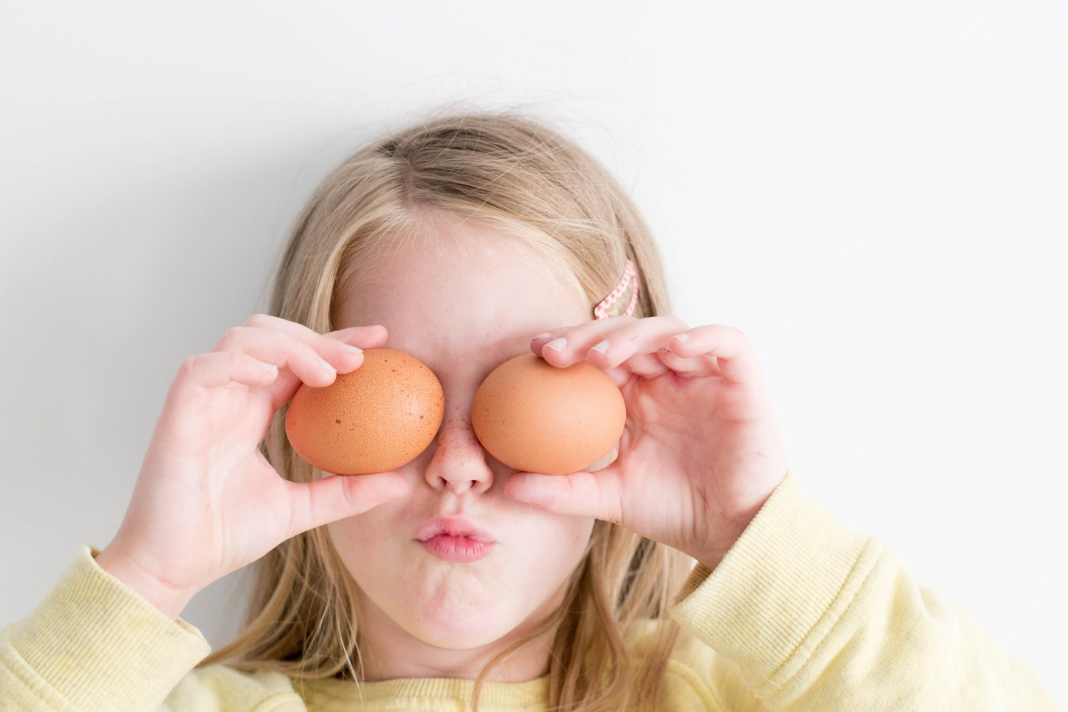 5 quick ways to tell if an egg is bad