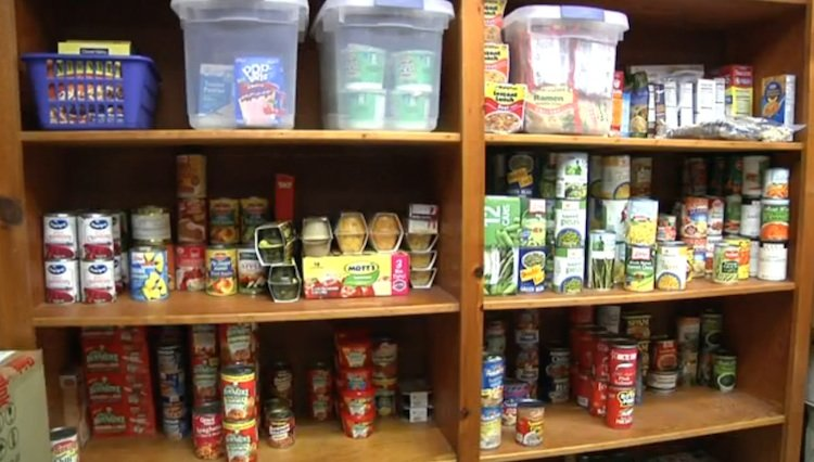 high school kids start food pantry to keep classmates from hunger