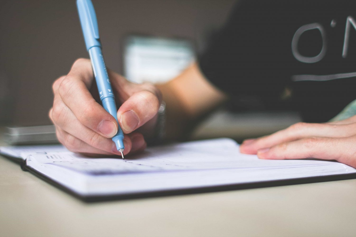criteria for choosing a high-rated essay writing service
