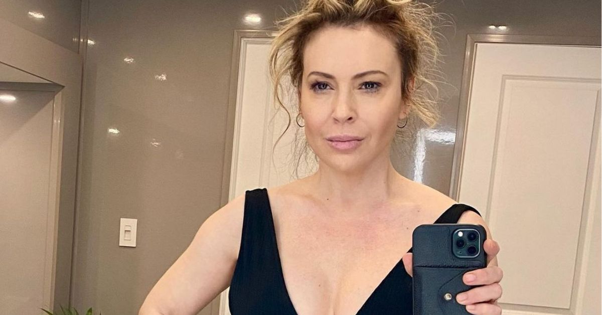alyssa milano gives scathing response to trolls saying she's 'washed up'